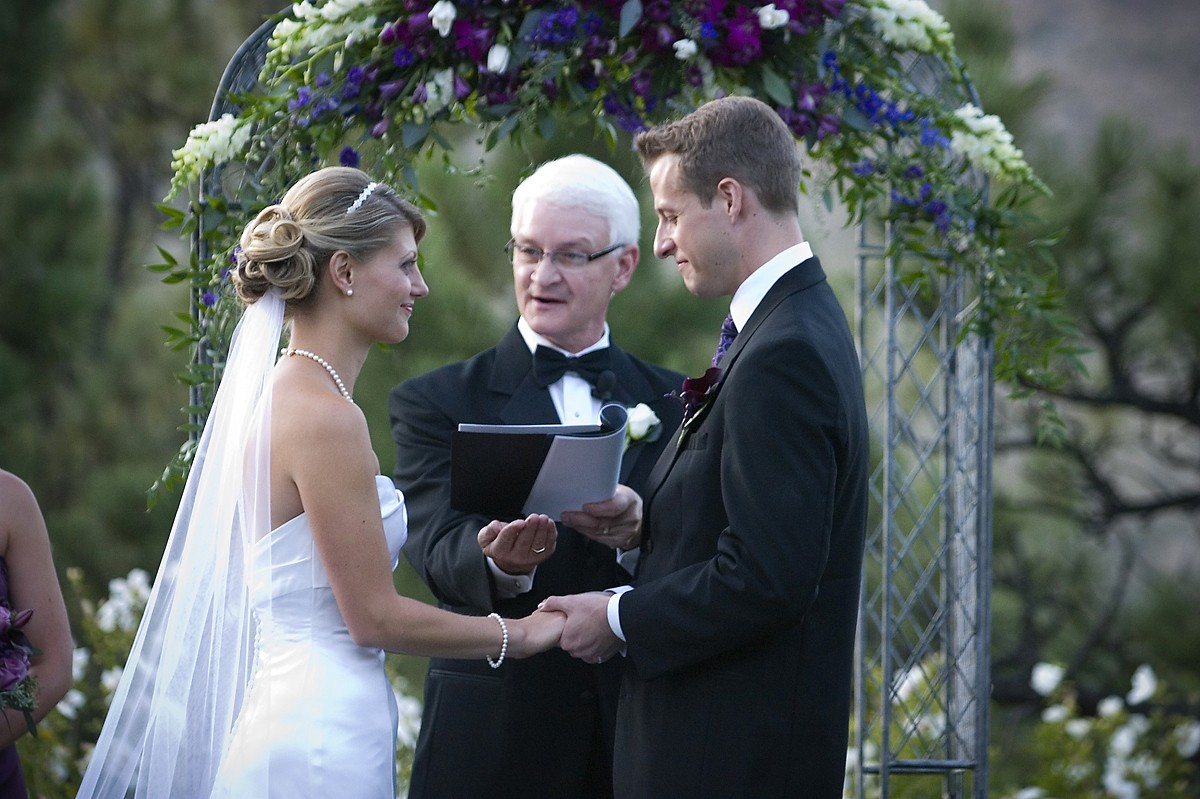 Colorado wedding officiant