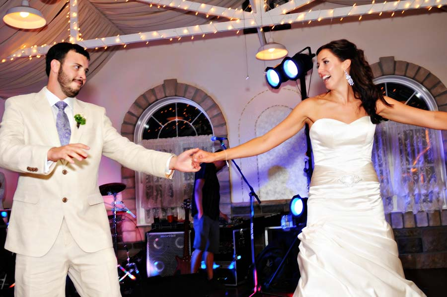 Fun Wedding Songs To Make Your Wedding Stand Out